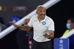 Menanti hasil racikan taktik Spalletti lewat permainan kolektif Napoli musim ini. Sumber: AFP/Oli Scarff/via Kompas.com