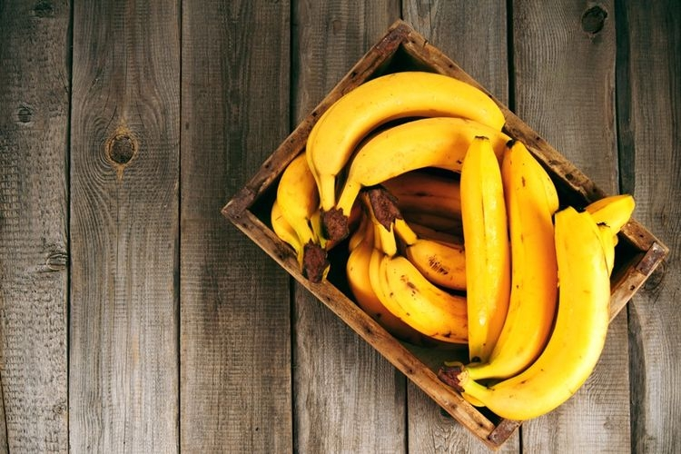 Buah pisang memiliki segudang manfaat bagi tubuh kita. Sumber: Shutterstock via Kompas.com