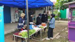 Aktifitas Penjualan Hasil Pertanian. Jl. Cipto Mangunkusumo. Samarinda Seberang. Kalimantan Timur (22/09/2021). Dok. Pribadi