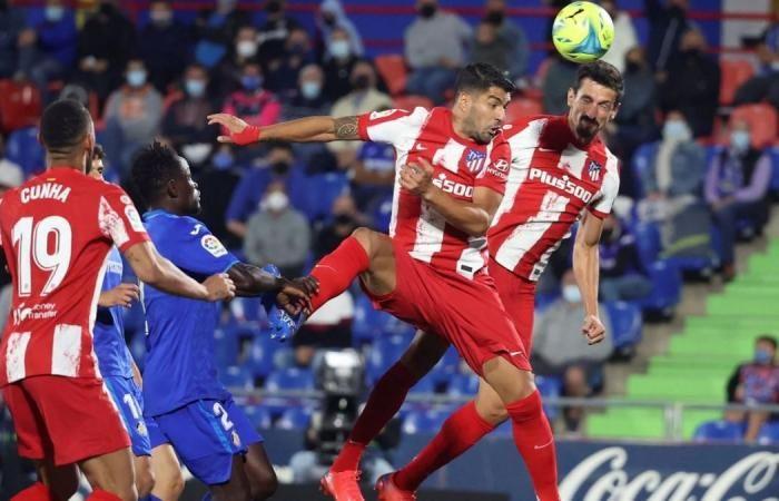 Pemain Atletico Madrid mencetak gol ke gawang Getafe. (via new.in-24.com)