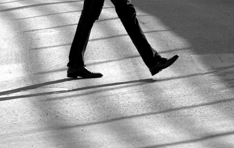 ilustrasi gambar untuk puisi Satu Langkah dari pixabay.com