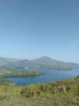 Pesona Bukit Holbung Samosir Danau Toba sumber doc. pribadi