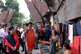 Desa Lumban Suhi Suha salah satu produsen kain ulos terbaik. Via: kompas.com
