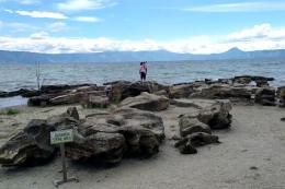 Pantai Batu Hoda (sumber: Gatra.com)