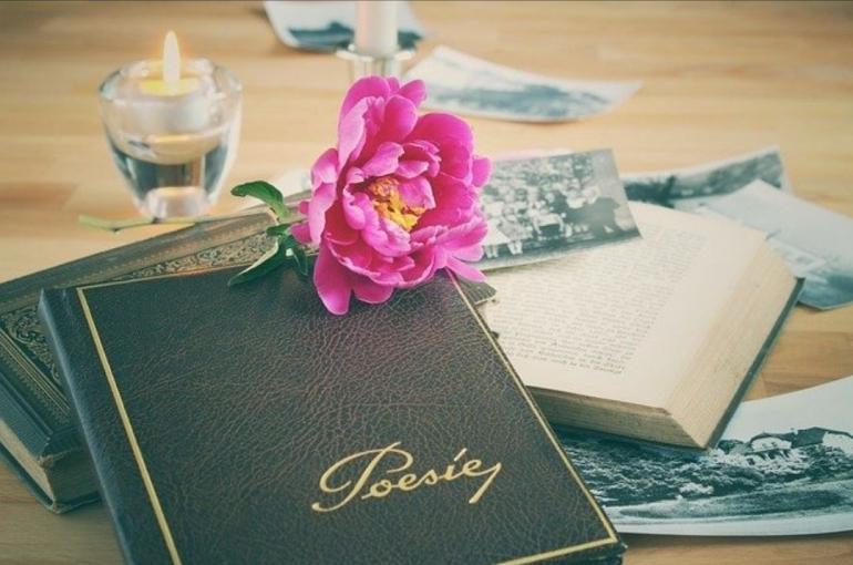 Mengapa saya menulis puisi (Foto : pixabay.com/Lolame)