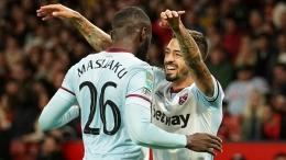 Selebrasi Manuel Lanzini, pencetak gol tunggal West Ham untuk kemenangan atas Manchester United diajang Carabao Cup (Foto Skysports)