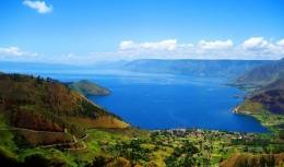 Lake of Toba (sumber: Maritim.go.id)