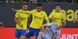 Pertandingan antara Cadiz dan Barcelona pada pekan keenam Liga Spanyol 2021-2022 di Estadio Nuevo Mirandilla, Jumat (24/9/2021) dini hari WIB. (AFP/CRISTINA QUICLER dipublikasikan kompas.com)