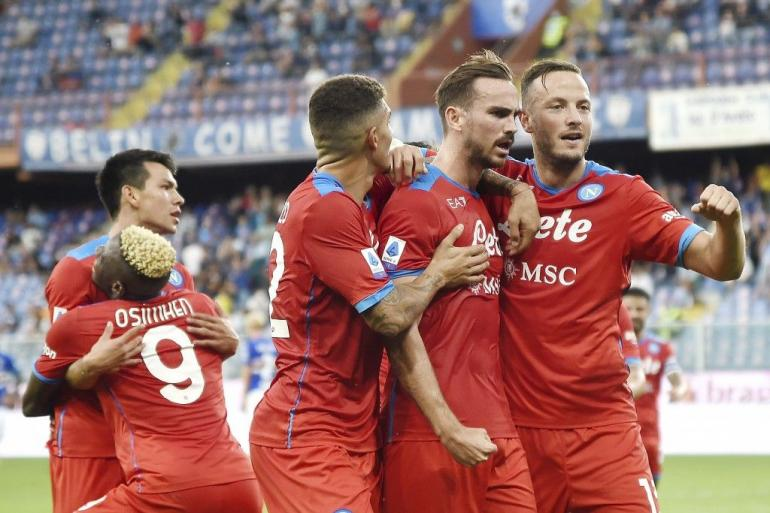 Pemain Napoli merayakan gol ke gawang Sampdoria. (via taiwannews.com.tw)