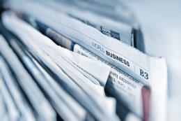 Surat kabar   Unsplash/freegraphictoday