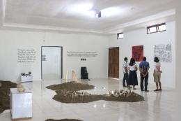 Ruang di dalam Museum Bikon Blewut, tempat