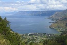 Danau Toba dilihat dari Tongging (dokumen pribadi)