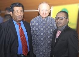 Almarhum Jumahir Jamulia (kanan) / dokpri