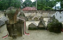 Kompleks makam Raja Sidabutar. Gambar dari kissparry.com