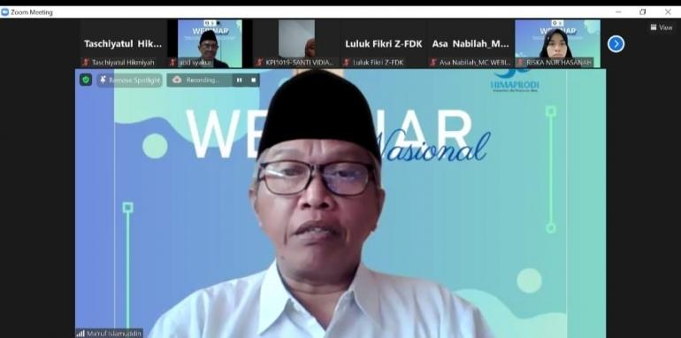 Kyai Ma'ruf Islamuddin menjadi narasumber dalam acara Webinar Nasional yang diselenggarakan oleh FDK UINSA (Sumber: Dokprib, 25 Sept 2021)