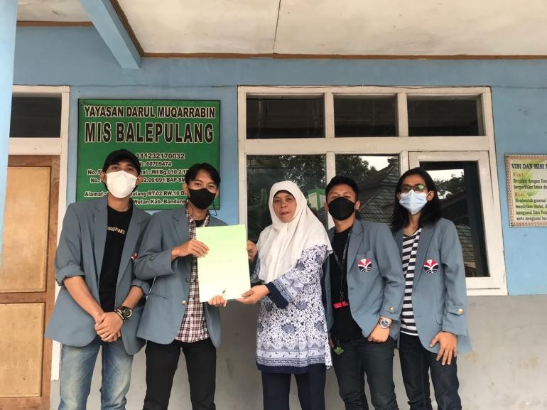 Penerapan program literasi di MIS Balepulang sebagai upaya meningkatkan minat baca (Dokpri)