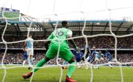 Edouard Mendy bermain baik di bawah mistar gawang Chelsea. Beberapa peluang emas City berhasil ia gagalkan: Dailymail.co.uk