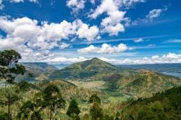 Gunung Pusuk Buhit (gambar : Kemenparekraf)