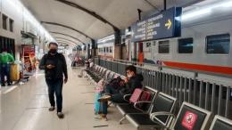 Suasana Stasiun Malang yang hening tanpa kehadiran anak-anak. -Dokpri