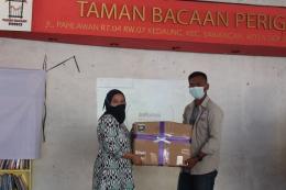 Gambar 3: Pemberian Donasi/dokpri