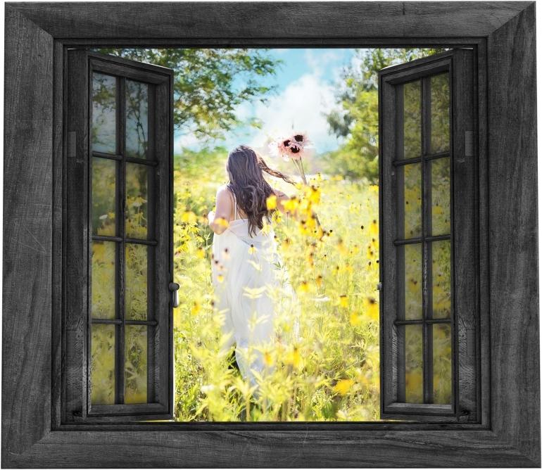 Ilustrasi seorang perempuan berpose di kebun bunga matahari (Foto: ArtsyBee Via Pixabay)