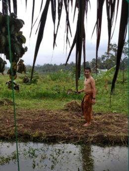 Hujan petir tak menghalangi hati menyibak onak duri demi kebaikan semua (gurujiwa)