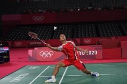 Pebulu Tangkis tunggal putra Indonesia, Anthony Sinisuka Ginting, akan tampil kembali di ajang Piala Sudirman 2021 yang dimulai hari Minggu (26/9/2021). Foto: Antara/Sigid Kurniawan