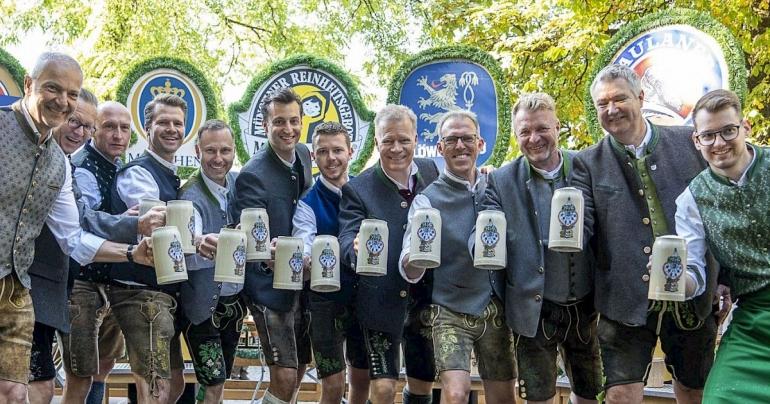 Prost! Our hearts for Oktoberfest. Sumber: Verein Munchner Brauereien e.v / www.oktoberfest.de