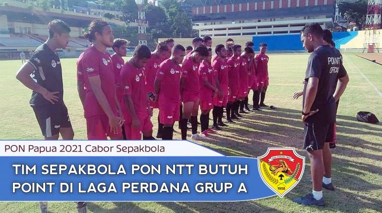 Tim Sepakbola PON NTT usia ujicoba lapangan Std. Mandala Jayapura (foto: fb NN)