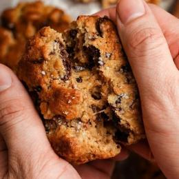 Chocolate Chip Walnut Cookies/Instagram/lebiscuit.id