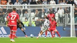 Dybala mencetak gol indah untuk membuka keunggulan Juventus atas Sampdoria: Massimo Pinca/REUTERS