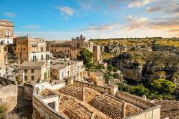 Matera, kota di atas bukit di selatan Italia. Sumber: Alamy / www.thetimes.co.uk