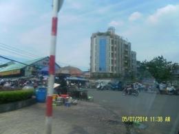 Pasar Ben Thanh ramai dikunjungi (dok pribadi)