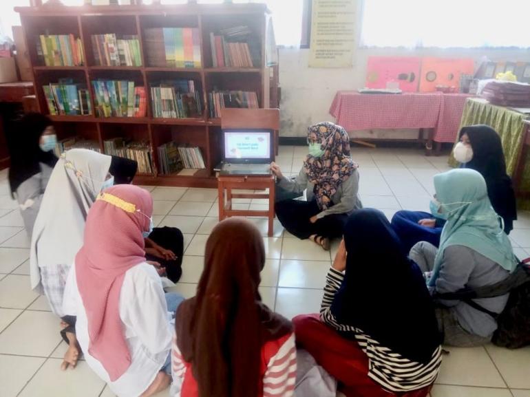 Kontribusi Mahasiswa KKN UPI dalam Pemerataan Teknologi di Sekolah 3T
