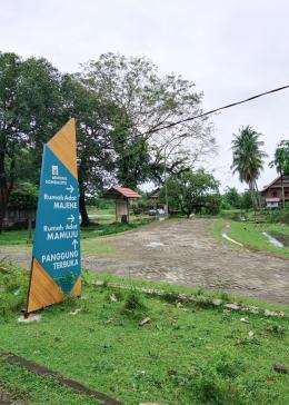 Tampak kondisi jalanan dalam kawasan Benteng Somba Opu yang sebagian besar sudah lama rusak parah tak pernah mendapat perbaikan/Ft: Mahaji Noesa