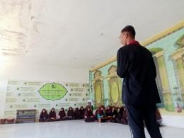 Mahasiswa PMM Edukasi Tanaman Hidroponik Sayuran di Yayasan Al-Hikmah Bangil Pasuruan
