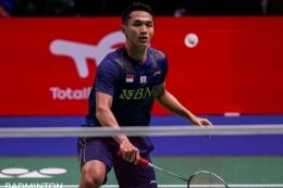 Tunggal putra Indonesia, Jonatan Christie, saat melawan Brian Yang pada laga kedua Grup C Piala Sudirman 2021. Foto: Badminton Photo via Kompas.com