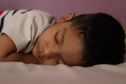 Ilustrasi anak sedang tidur. Sumber: Arun Kumar/Pixabay.com