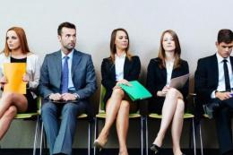 Pentingnya memperhatikan tata rias dan busana sebelum interview   Sumber: Shutterstock via money.kompas.com