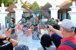 Mendokumentasikan tari tradisional di Museum Sonobudoyo, Jogja (sumber: Dispar DIY via harianjogja.com)