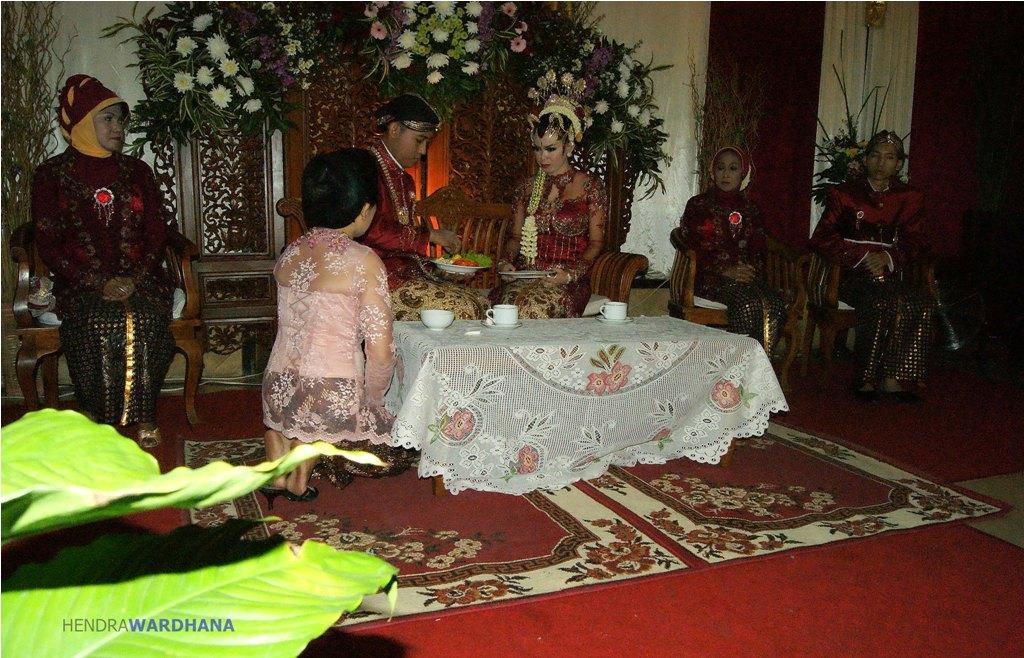 Pernikahan Adat Jawa Selly Dan Adit Di Yogyakarta: Rumit Dan Panjang, Prosesi Pernikahan Adat Jawa
