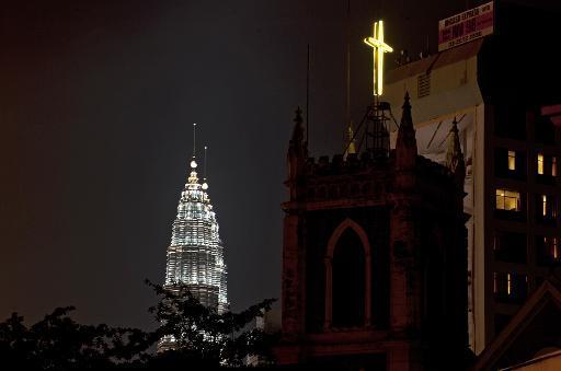 Toleransi beragama di Malaysia sedang diuji. Photo: https://s.yimg.com/