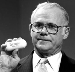 James Burke, sosok kesuksesan J&J dalam menangani kasus Tylenol