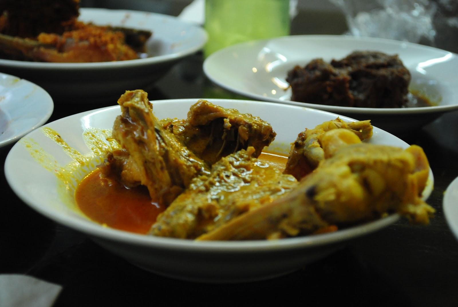 Ayam masak opo? #tanya