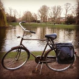 Sepeda yang selalu menemani saya untuk aktif bergerak. Foto dokumentasi pribadi yang diunggah di Instagram