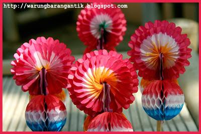 Salah satu mainan tradisional, Bunga Kertas