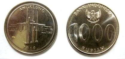 Gambar alat musik angklung diabadikan dalam koin seribu rupiah