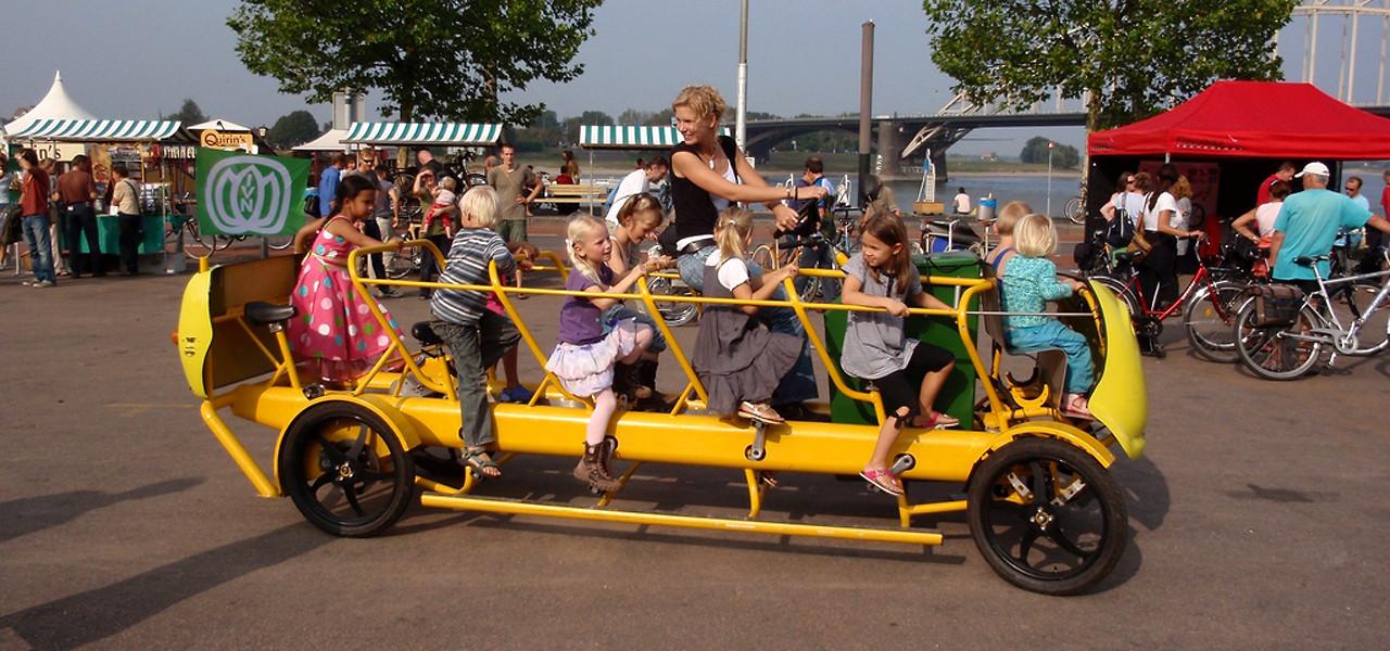 Bus Sekolah berbentuk sepeda