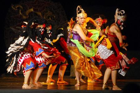 Pertunjukan Wayang Orang http://yogyakarta-experience.blogspot.com