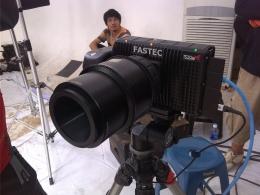Wujud kamera Fastec TS3 Cine yang digunakan pada video klip ini